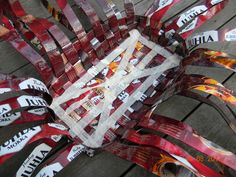 Upcycled Crafts, Diy And Crafts, Diy Paper, Korn, 4th Of July Wreath, Handicraft, Recycling, Embroidery, Workshop Ideas