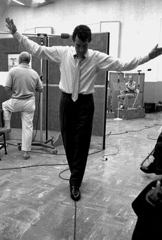 Dean Martin in the studio while he is recording Sleep Warm / AS1966