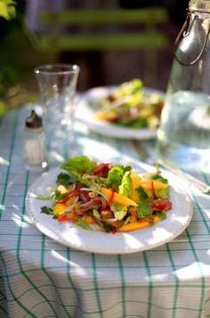 Insalata Tailandese con manzo e mango - Thai Beef and Mango Salad, from Irelands favorite chef Donal Skehan