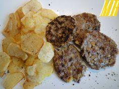 Hamburguesas de carne y manzana. Ver Receta: http://www.mis-recetas.org/recetas/show/36418-hamburguesas-de-carne-y-manzana