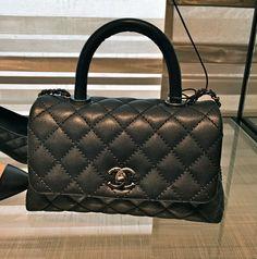 2015春夏新作  シャネルスーパーコピー Chanel 《最新でスタッフおすすめ 》Chanelマトラッセ2ウェイバックS A92991 Y60093 C5382  ブラック ネイビー、グレー、キャメルもございます。 キャビアスキン ギャランティーカード、説明書、保存袋、お箱、おリボン付き バイマ本物補償付き 17x25x12cm  Chanel秋冬最新スタッフもおすすめのおしゃれなマトラッセショルダーが入荷です。 http://www.dokei2015.com/and-12605.html