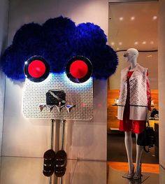 WEBSTA @ tatiana_shuparskaya - Fendi❣...#escaparate #windowdisplay #lights #like4like #likeforlike #doyoulikeit #fashion #fashionista #luxury #look #lookbook #interiordesign #interiors #visualmerchandising #art #style #mode #christmas #czech #travel #beautiful #люкс #fendi #plumas #fendibag #amazing #shopping #jacket #fendishop