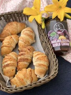 Vegán szilvalekváros mini croissant Szafi lisztekből Újabb szerelemgyerek született