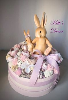 Paper Mache Boxes, Be Natural, Sugar Art, Easter Crafts, Clay, Flowers, Inspiration, Biblical Inspiration, Royal Icing Flowers