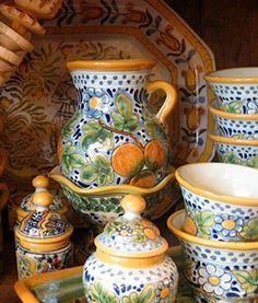 Google Afbeeldingen resultaat voor http://nomadcambridge.com/wp-content/uploads/2012/05/interiors-talevera-corona-pottery-2.jpg