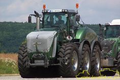 New John Deere Combine Prototype | Re: New fendt trisix 6 wheel drive with pic's