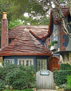 Love this rolled cottage roof
