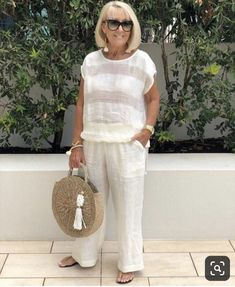 Best Outfits For Women Over 50 - Fashion Trends Over 60 Fashion, Mature Fashion, Over 50 Womens Fashion, Fashion Over 50, Plus Size Fashion, Stylish Outfits, Cool Outfits, Summer Outfits, Fashion Outfits