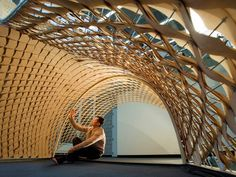 This is the reserch and develpment of gridshell in the Harvard GSD by Minhwan Park and Jian Huang Parametric Architecture, Wooden Architecture, Timber Buildings, Parametric Design, Facade Architecture, Folding Structure, Wood Structure, Temporary Architecture, Digital Fabrication
