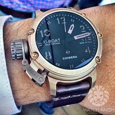 A genuine complication made by U-Boat. Full bronze destro case in a very wearable 42mm size with a very nice push button function selector! Limited to 300 pieces.
