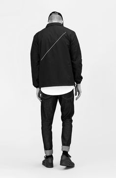 Everything looks good in black + white   TODAYSHYPE: STYLEHYPE: STREETWEAR & MENSWEAR LOOKS TO GET YOU INSPIRED