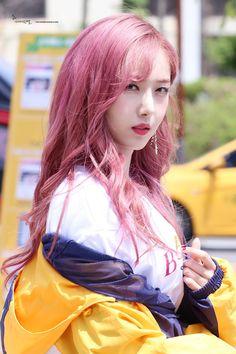 dedicated to female kpop idols. Kpop Girl Groups, Korean Girl Groups, Kpop Girls, Bubblegum Pop, Extended Play, Oppa Gangnam Style, Rapper, Sinb Gfriend, Kpop Hair