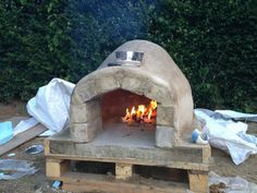 Picture of How to make a homemade Pizza Oven - Diy Pizza Oven Wood Fired Oven, Wood Fired Pizza, Pizza Oven Outdoor, Outdoor Cooking, Oven Diy, Four A Pizza, Home Greenhouse, Bread Oven, Outdoor Projects