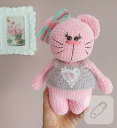 Amigurumi örgü kedi oyuncak tarifi, tığ işi bilen herkesin bu cici kediden örebilmesini sağlayacak. 10marifet.org'da şirin bir pembe kedi örmeye buyrun!