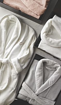 Our ultrasoft Resort Piped Robe is the ideal everyday indulgence.