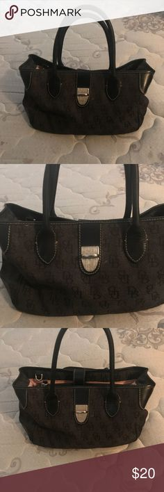 Dooney and Bourke purse Women's purse brand new without tags Dooney & Bourke Bags Satchels