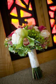 Vibrant. #weddingbouquets #weddings #flowers #weddingflowers #floralarrangements #weddingfloralarrangements #jevelweddingplanning #jevel