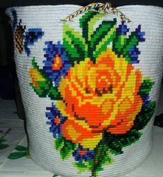 wayuu yemalkartesanias (@wayuu_yemalkartesanias) • Instagram-Fotos und -Videos Tapestry Bag, Tapestry Crochet, Louis Vuitton Handbags, Crochet Flowers, Leaf Tattoos, My Bags, Instagram, Satchel Handbags, Ganchillo