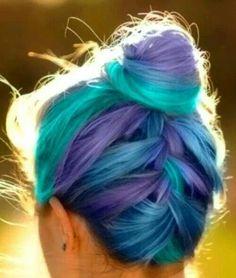 Gorgeous Ways to Style Rainbow Hair Monsters Inc.-like dyed hair -- teal & light blue & purple hair ends / tipsMonsters Inc.-like dyed hair -- teal & light blue & purple hair ends / tips Dye My Hair, New Hair, Dyed Hair Ends, Curls Haircut, Hair Colour App, Hair Colours, Weird Hair Colors, Ombre Colour, Hair Colorful