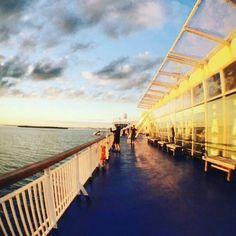 Kokkimme ikuisti kauniin auringonlaskun alkuviikosta laivan lähestyessä kohti…
