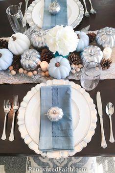 Blue Fall Decor, Fall Home Decor, Thanksgiving Traditions, Thanksgiving Parties, Thanksgiving Table Settings, Thanksgiving Centerpieces, Elegant Centerpieces, Autumn Centerpieces, Wedding Centerpieces