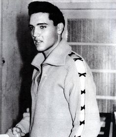 Elvis...yea, I can see why the ladies would swoon :)