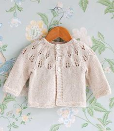 Baby Cardigan Knitting Pattern, Knitted Baby Cardigan, Knitted Baby Clothes, White Cardigan, Lace Knitting, Baby Knitting Patterns, Knit Crochet, Knitting For Kids, Crochet For Kids