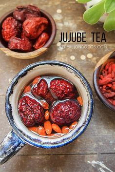 A delicious tea with earthy sweetness from dried jujubes and dried goji berries, and a hint of smokiness from cacao nibs. Tea Recipes, Asian Recipes, Chinese Recipes, Smoothie Recipes, Recipies, Jujube Tea, Jujube Fruit, Confinement Food, Dried Goji Berries