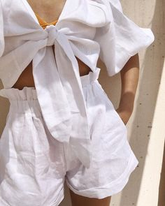How To Wear White Shorts Summer Street Styles 56 Ideas For 2019 Beige Outfit, All White Outfit, White Outfits, Style Outfits, Fashion Outfits, Woman Outfits, Fashion Ideas, Fashion Tips, Mode Streetwear