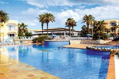 Ibiza - port des torrent  Thomson - Sirenis Hotel Club Aura - 01 Jun 2014