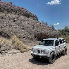 Jeep Patriot Lifted, Lifted Jeeps, Grand Vitara, 4x4, Trousers, Cars, Life, Collection, Pickup Trucks
