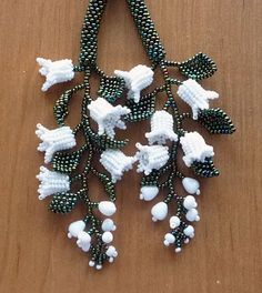 Materials needed Seed bead: size 2 or Fishing line: Beading needle Cutter Procedures Step Cut and new fl and add up 6 beads. Tie into a circle Step Add 4 beads and … Bead Jewellery, Seed Bead Jewelry, Beaded Jewelry, Seed Beads, Loom Beading, Beading Patterns, Jewelry Patterns, Seed Bead Flowers, Beaded Flowers