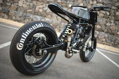 Now we all agree that peaky inline fours and huge rumbling v-twins are fantastic. But some of our favourite bikes to come out of the custom scene are small, fun little runabouts that can belt through traffic and jump gutters and terrify pedestrians...