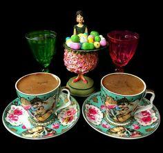 Coffee Set, Coffee Love, Coffee Break, Chocolates, Turkish Coffee Cups, Good Morning Coffee, Breakfast Tea, Tea Blends, Chocolate Coffee