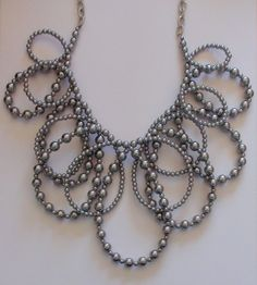 SILVER TONE CHAIN & SMALL ACRYLIC PEARL STATEMENT BIB FASHION NECKLACE GRAY