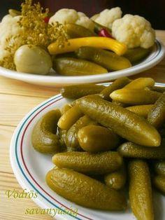 Vödrös savanyúság 2 Okra, Sausage, Meat, Food, Canning, Hungarian Recipes, Sausages, Essen, Gumbo