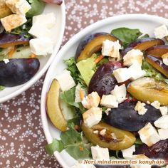 Autumn Salad with Plums & Feta Cheese. Sweet plum and savory feta cheese meet in this quick & easy salad to welcome the first autumn days. Feta Salad, Caprese Salad, Healthy Salad Recipes, Vegetarian Recipes, Plum Pie, Cream Soup, Salad Ingredients, Easy Salads, Sweet And Salty