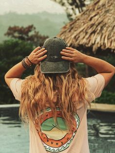 Surfer Girl Outfits, Hippie Outfits, Cute Summer Outfits, Cute Outfits, Surfergirl Style, Granola Girl, Surfer Style, Look Girl, Beach Aesthetic
