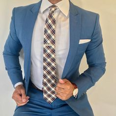 The perfect accessory for a wide range of dress codes ranging from casual busine. - The perfect accessory for a wide range of dress codes ranging from casual business attire to the mo - Mens Style Guide, Men Style Tips, Style Men, Men's Style, Mens Fashion Suits, Mens Suits, Black Tie Dress Code, Suit Combinations, Business Casual Attire