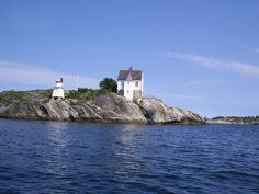 25 Beautiful Homes - A lighthouse just outside the small seaside town Grimstad in Norway 25 Beautiful Homes, Kristiansand, Seaside Towns, Norway, The Outsiders, Sea Side, Adventure, Lighthouses, Cabins