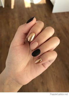 Nail art is a very popular trend these days and every woman you meet seems to have beautiful nails. It used to be that women would just go get a manicure or pedicure to get their nails trimmed and shaped with just a few coats of plain nail polish. Nail Art Diy, Diy Nails, Matte Nails, Manicure Ideas, Pedicure, Gelish Nails, Gel Manicure, Nail Art Ideas, Squoval Acrylic Nails