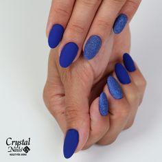 nails The best new nail polish colors and tre New Nail Polish, Nail Polish Colors, Crystal Nails, Nail Artist, Fun Nails, Nailart, Manicure, Nail Designs, Crystals