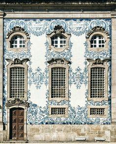 Igreja do Carmo, Porto, Portugal. Photo by @francesmehardie. 11 March 2017.
