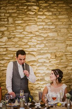 "Delivering a perfect best man wedding speech is a challenging responsibility for many men. While developing such a Best Man's Speech, one of the main dilemmas many ""Best Men"" face is to decide on whether to crack everyone up or to kee Best Man Wedding Speeches, Best Speeches, Groom's Speech, Best Man Speech, Wedding Toast Samples, Maid Of Honor Speech, Groom Looks, Wedding Toasts, Father Of The Bride"