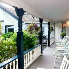 Craftsman Porch Railing Designs Design, Pictures, Remodel, Decor and Ideas - page thinking about this for our front porch. Porch Railing Designs, Front Porch Railings, Porch Columns, Railing Ideas, Front Porches, Front Stairs, Bungalow Porch, Cottage Porch, Craftsman Porch