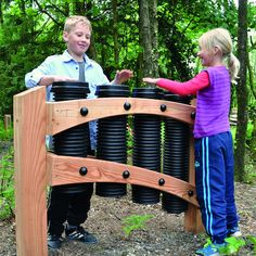 Drainpipe Drums Outdoor Music Stand Robust, individually tuned drums, made from recycled plastic on a sturdy wooden frame. Backyard Playground, Backyard For Kids, Playground Ideas, Natural Outdoor Playground, Preschool Playground, Outdoor Learning Spaces, Outdoor Play Spaces, Music Garden, Sensory Garden