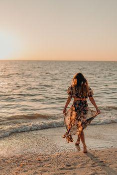 Koreshan State Historic Site and Bonita Beach Portrait Photography Poses, Beach Portraits, Photography Poses Women, Beach Shoot, Beach Poses, Beach Sunset Photography, Bonita Beach, Best Photo Poses, Beach Aesthetic