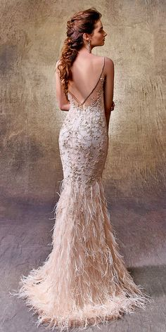 21 Fascinating Open Back Wedding Dresses 15 Fascinating Open Back Wedding Dresses ❤ mermaid spaghetti strap v shape open back wedding dresses enzoani Full gallery: weddingdressesgui… Open Back Wedding Dress, Amazing Wedding Dress, Best Wedding Dresses, Wedding Gowns, Mermaid Dresses, Evening Gowns, Bridal Gowns, Marie, Ball Gowns