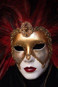 Máscara by Jorge Lorte, via Flickr                                                                                                                                                                                 Más