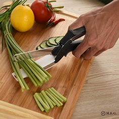 The chopping board is a staple of any kitchen. But when the chopping is done, you have to transfer all that loose food into a pan or dish, right? MESSY! What if the chopping board and knife were an all-in-one slicer that cuts as quickly and easily as scissors and lets the food fall right where you need it? Clever Cutte Office Gadgets, Home Gadgets, Latest Gadgets, Cooking Gadgets, Kitchen Gadgets, Kitchen Stuff, Multi Usage, Gadget Gifts, Gifts For Mum